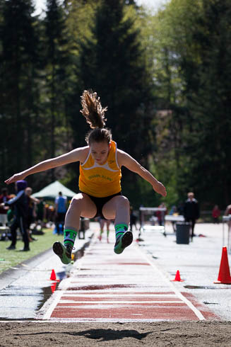 Female triple jumper from Vashon High School.