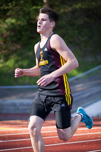 Male runner from Enumclaw HS.
